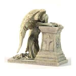 Gothic Weeping Angel: Patio, Lawn & Garden