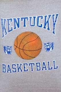 Vintage KENTUCKY WILDCATS Basketball t shirt MEDIUM 80s retro indie