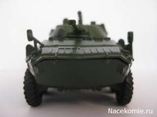 72 BTR 90 armoured personnel carrier model Diecast & 40 Magazine