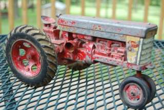 INTERNATIONAL FARMALL 560 TRACTOR   VINTAGE ERTL ESKA CASE IH