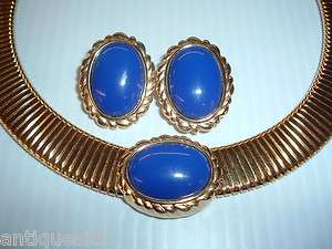 MONET NECKLACE AND EARRINGS BLUE SET IN GOLD TONE METAL VERY NICE