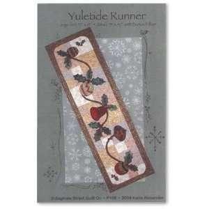 Yuletide Table Runner Pattern