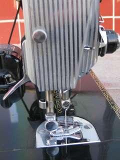 Vtg 1956 SINGER FEATHERWEIGHT SEWING MACHINE 221K 221 K w/CASE WORKS
