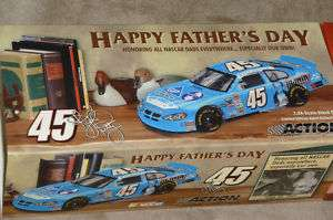 Fathers Day   Kyle Petty 124 Scale 04 Intrepid NIB