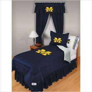 46 Sports Coverage University of Michigan Comforter   Full/Queen