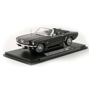 118 1964 Ford Mustang Convertible   Black Toys & Games