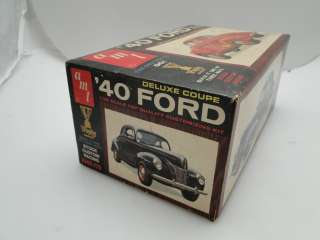 AMT 1/25 MODEL 1940 FORD DELUXE COUPE VINTAGE