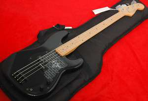 Fender ® Roger Waters Precision Bass, P Bass, Black, Maple Fretboard