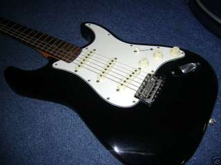 Squier By Fender Stratocaster Made in Korea Black