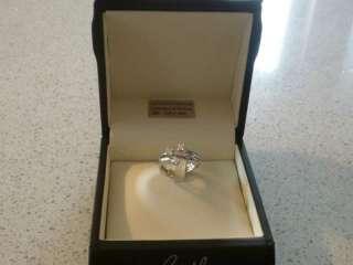 Anello in oro bianco con diamanti re carlo a Cherasco    Annunci