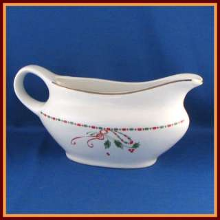 Gibson Designs Festive Traditions Gravy Boat Red Green